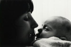 Janet Mendelsohn - Kathleen and her newborn son L (c 1968))