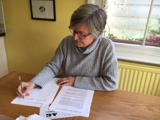Signing (1)